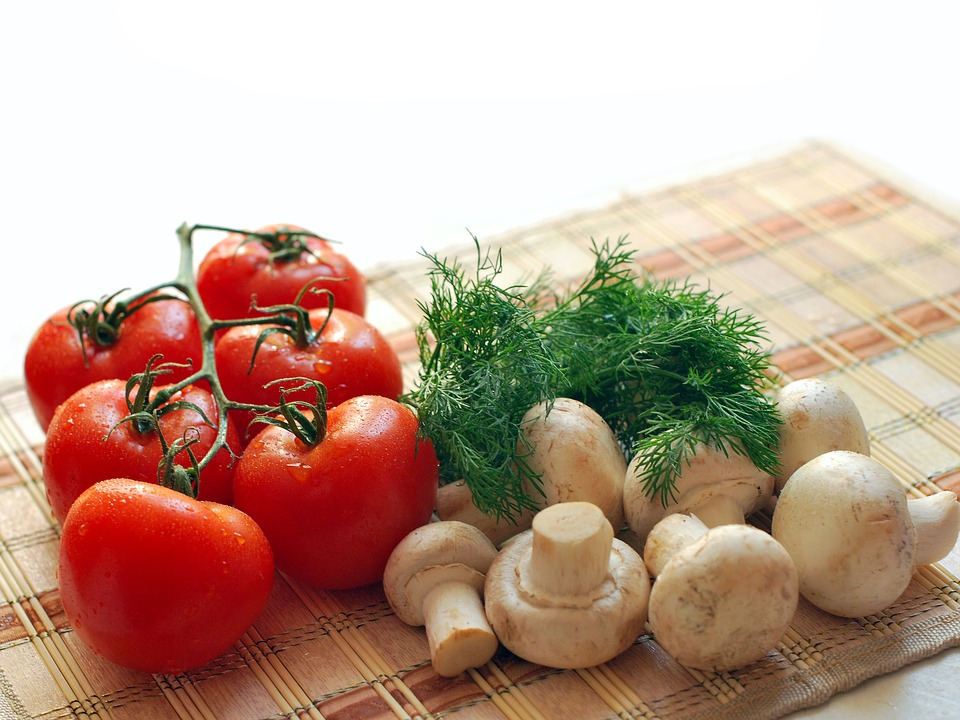 Mushrooms tomatoes and dill