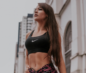 fit woman nice abs