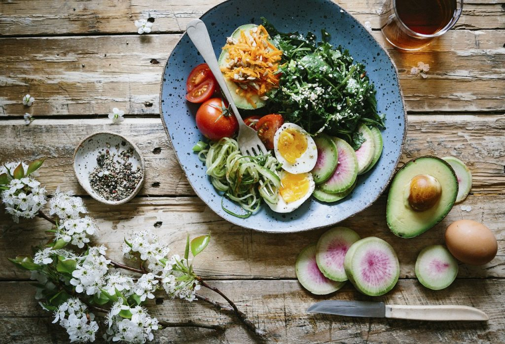 flat lay healthy food, flat lay not sweet diet food plan, eggs avocado leafy greens for healthy diet