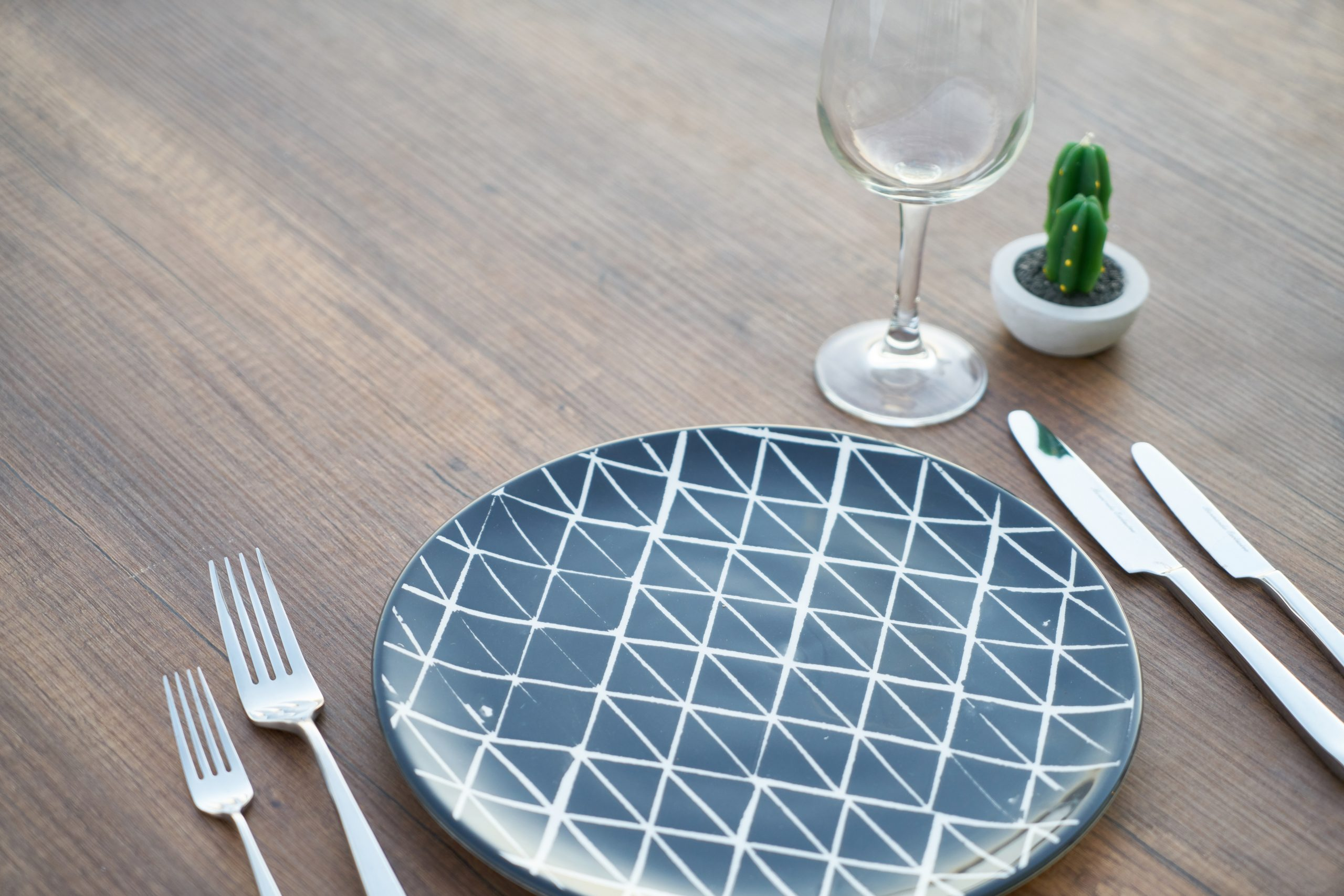 plate on the table